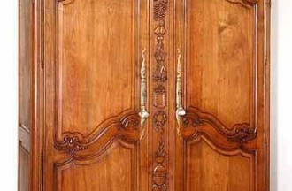 Entretien pour les meubles antiques en bois